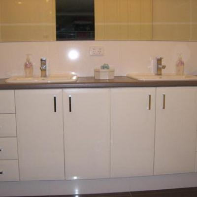Vagnoni Cabinets Bathroom 4