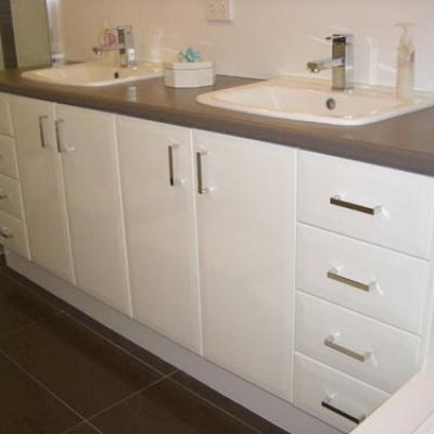 Vagnoni Cabinets Bathroom 5