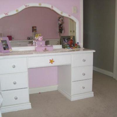 Vagnoni Cabinets Dressing Table 1